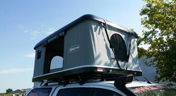 offroad 4x4 magazine rlc diffusion lance sa tente rigide. Black Bedroom Furniture Sets. Home Design Ideas