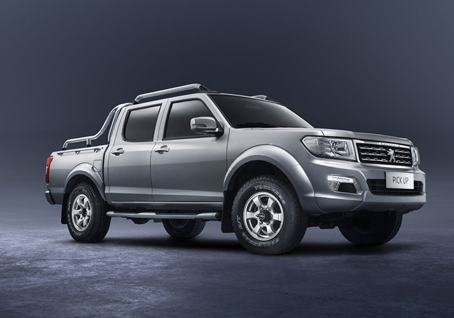Peugeot lance son pick-up... Nissan !